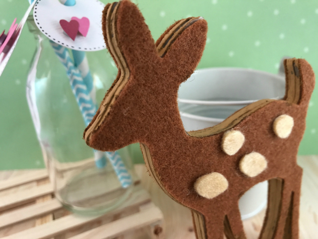 felt_deer_ornament-detail